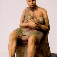 Madre che allatta – bronzo policromo, 2005