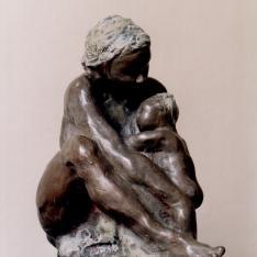 Colloquio 1 Abbraccio di madre – bronzo policromo, 2006