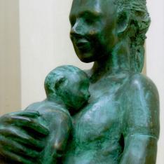 Maternità, particolare – bronzo, 2004 (presso Fondazione S. Giuseppe, Palazzo Soleri Rimini)